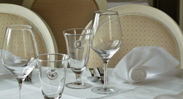Sektgläser oder Weingläser